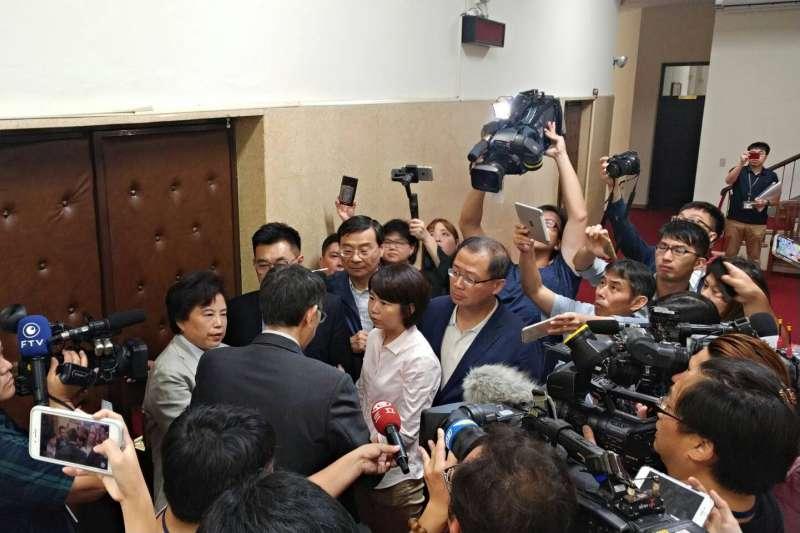 李進勇人事案明天表決綠委今天占議場 蘇嘉全下令清空-風傳媒