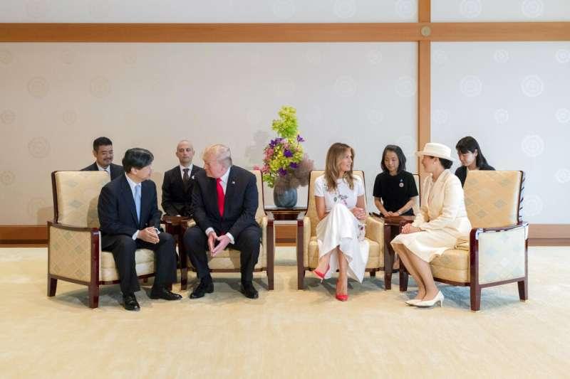 美國總統川普夫婦與日本德仁天皇夫婦。(美聯社)