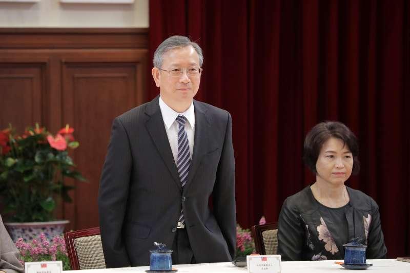 前大法官許玉秀爆料,指總統蔡英文曾在總統官邸「訓斥」大法官呂太郎(左)。對此,呂太郎發表聲明駁斥。(資料照,總統府Flickr提供)
