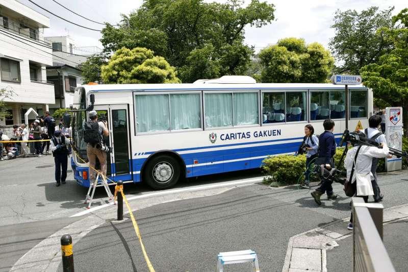 Caritas私立小學校車。(美聯社)