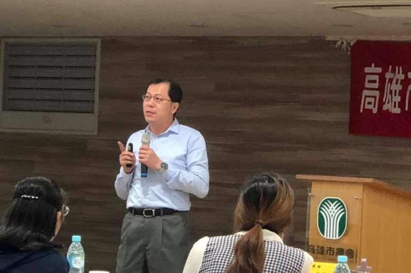 高市農業局長吳芳銘常常會在臉書分享高雄農產品又出貨了、賣多少數量與多少錢的好消息。(圖/翻攝自吳芳銘臉書)