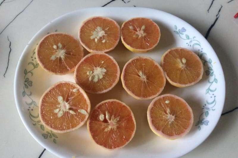 橙子。(取自寇延丁臉書)