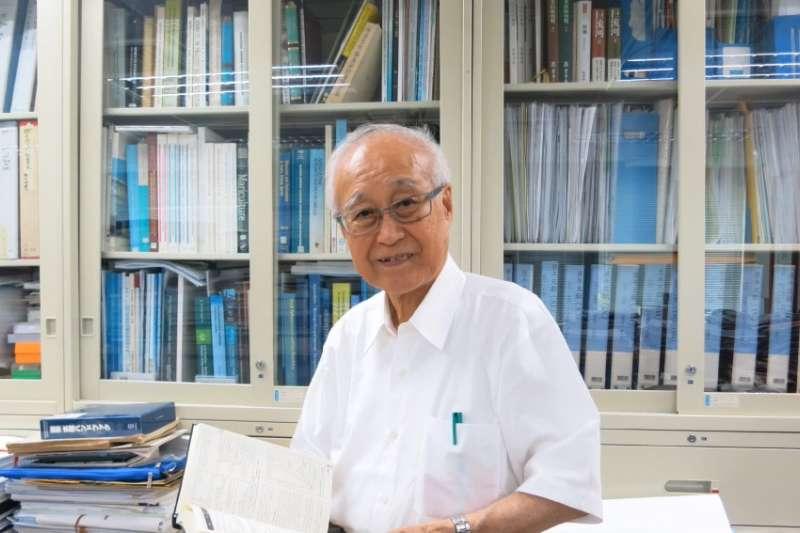 廖一久獲得日本三重大學教授吉松隆夫推薦,角逐日經亞洲獎並得獎。(圖/ commaBOOKS @youtube)