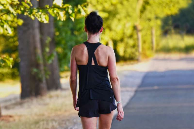 為何每天走一萬步,小腹還是瘦不了?(圖/pixabay)