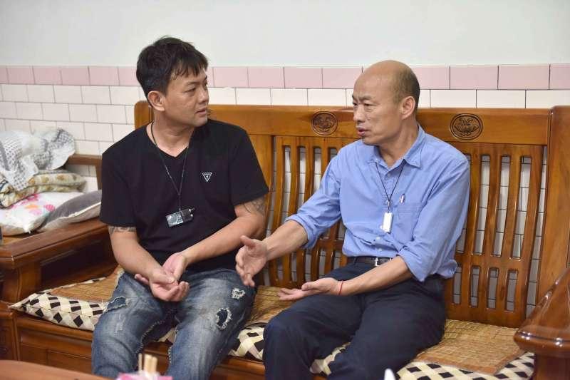 高雄市長韓國瑜持續進行每月外宿行程,30日夜宿大社單親家庭,盼了解單親家庭的真正需求。(高雄市政府提供)