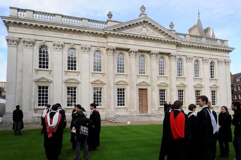 在英國大學中,中國留學生已經成為第一大國際學生團體。(BBC)