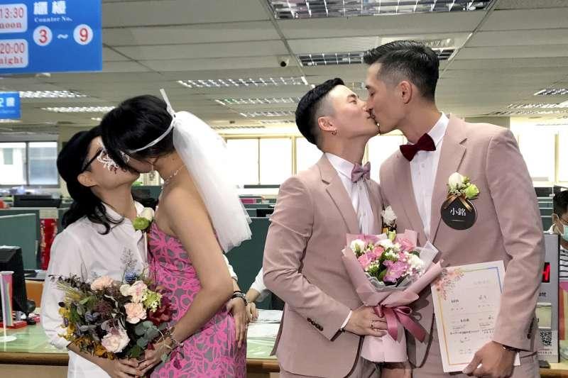 2019年5月24日,台灣同婚正式生效(AP)