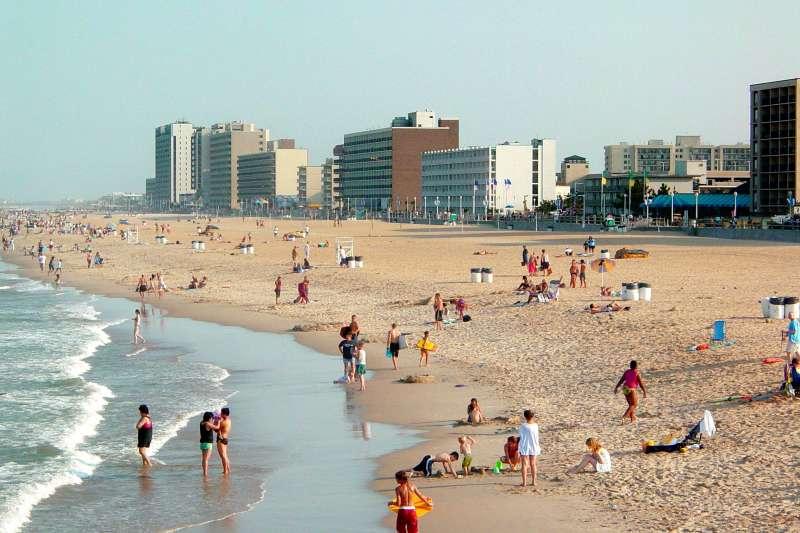 美國維吉尼亞海灘市(Virginia Beach)的海灘(SchuminWeb@Wikipedia / CC BY-SA 3.0)