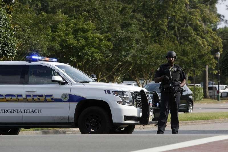 2019年5月31日,美國維吉尼亞海灘市(Virginia Beach)發生大規模槍擊案,造成慘重死傷(AP)