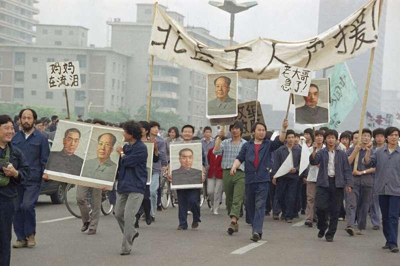 六四、1989年5月18日在北京上街遊行的民眾。(AP)