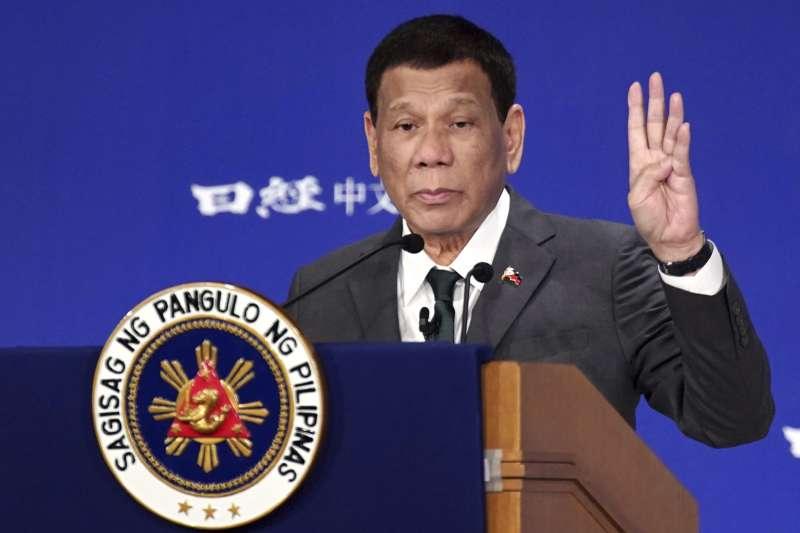 菲律賓總統杜特蒂自稱曾是同性戀,但遇到前妻後被治癒變成男人(AP)
