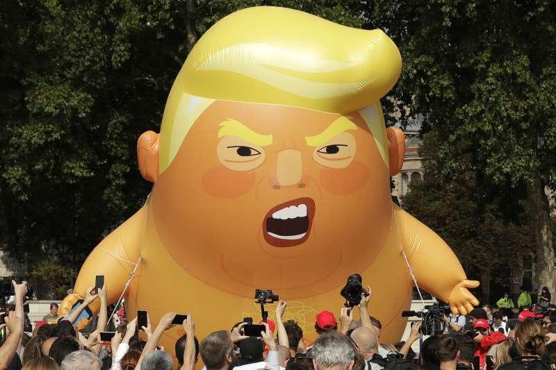 2019年6月,美國總統川普對英國進行國是訪問,倫敦市民照慣例放出「川普巨嬰」氣球歡迎(AP)