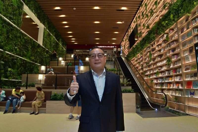 蔡衛民說,興富發跨足百貨的第一個據點,就選擇在高雄。(圖/徐炳文攝)