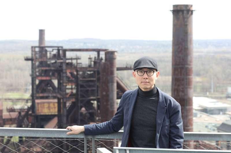 建築史學者裘振宇任教於土耳其畢爾肯特大學,也是第2屆「台灣人道建築獎」(Building 4Humanity Design Competition, B4H-DC)競賽計畫主持人之一。(取自中原大學網站)