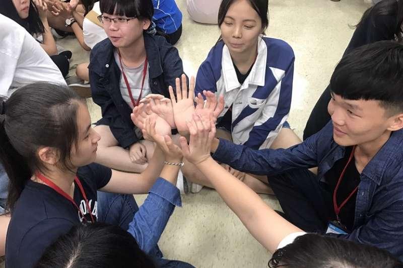 陸委會連民間團體的兩岸學生交流活動都要「禁止」?(救國團官網─台中市團委會)