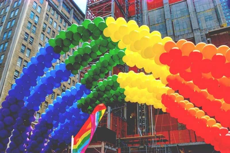 今年是洛杉磯同志驕傲遊行(LA Pride Parade)第49年舉辦,也是美國同志運動起源「石牆事件」50週年紀念,在音樂與歡呼聲中,人人互道「驕傲遊行快樂」(Happy Pride)。(示意圖/ gagnonm1993 @pixabay)