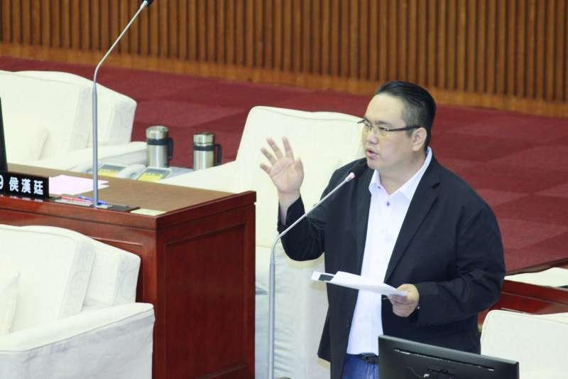 20190613_國民黨台北市議員陳重文在議會質詢。(方炳超攝)