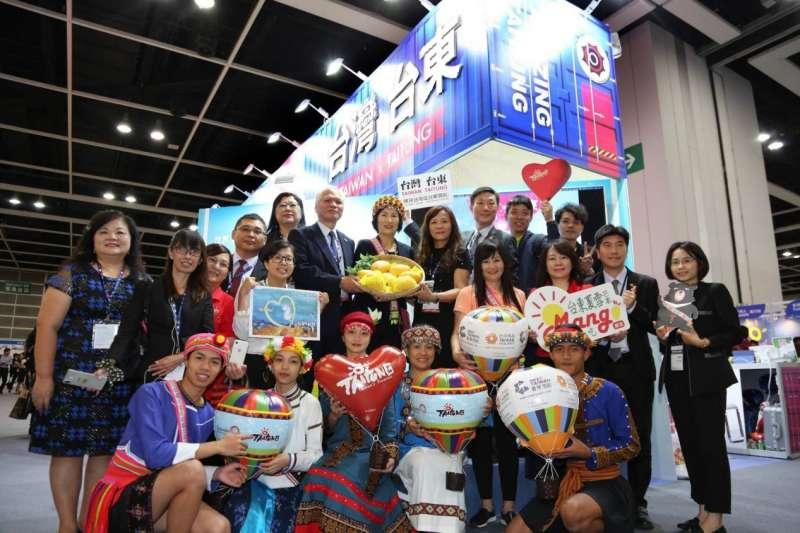 「臺灣臺東館」13日在香港國際旅展行銷漫遊慢食的東岸之旅。(圖/台東縣政府提供)