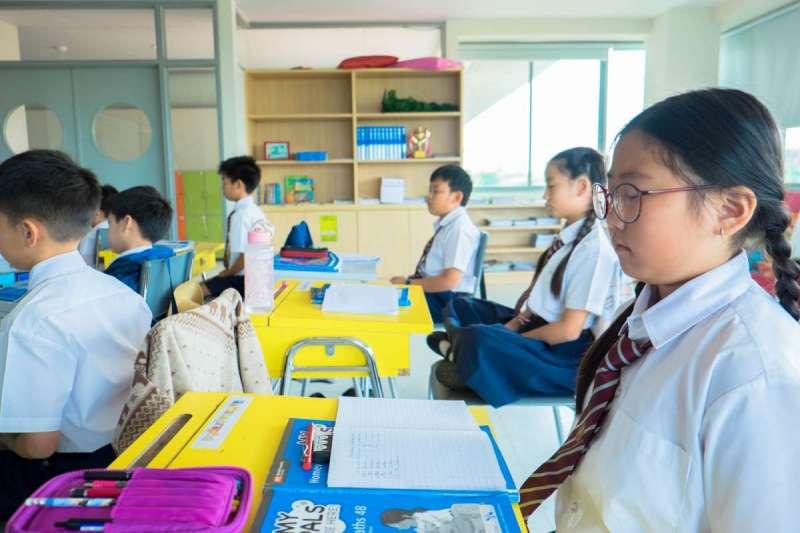 台灣的教育系統中,有著一群只會讀書的孩子。(圖/Unsplash)