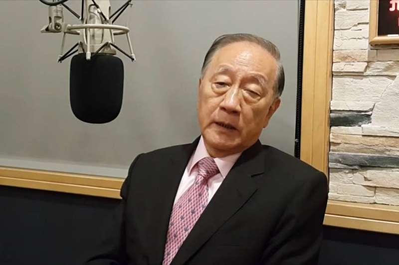 新黨主席郁慕明14日上廣播節目。(截圖自「新黨打假除亂」臉書)