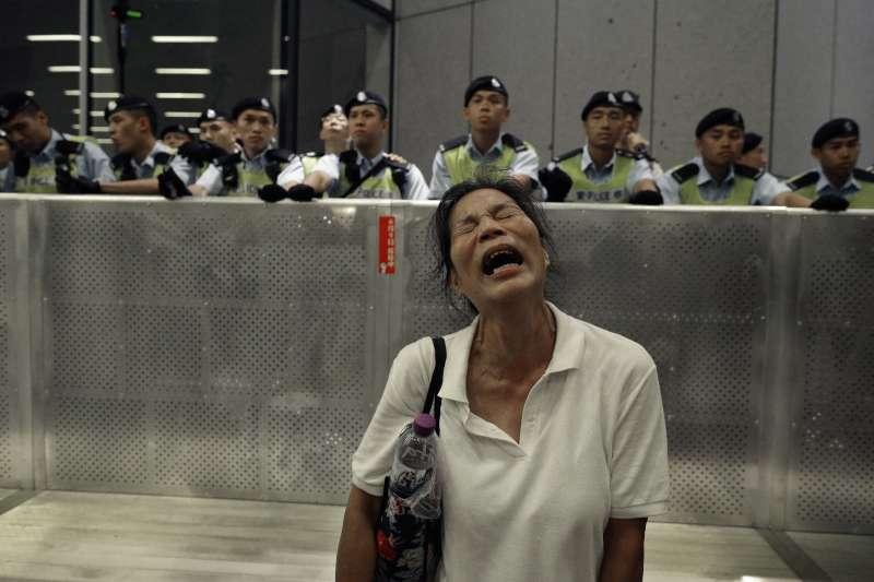 香港「反送中」運動,市民強烈反對《逃犯條例》修法,為中國司法黑手開方便之門(AP)