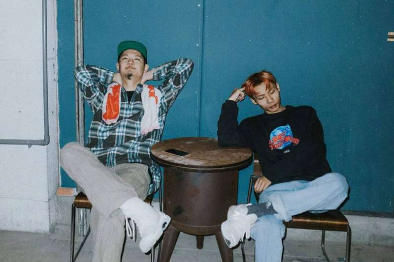 20190615-饒舌團體「夜貓組」是顏社旗下饒舌演唱組合,成立於2016年,成員包含LEO王(左)和春艷(右)。(取自夜貓組 Yeemao網站)