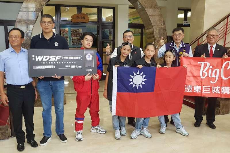 新竹KGB街舞團體即將代表台灣,分別前往南京及美國出賽。(圖/方詠騰攝)