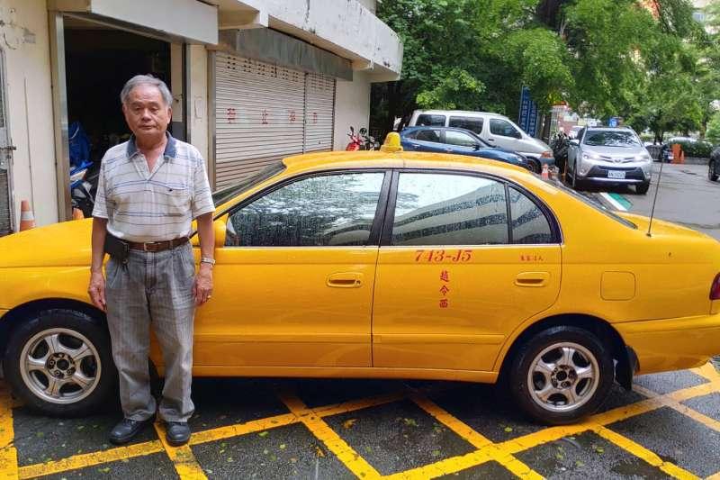 台中市府交通局鼓勵老舊計程車進行汰換,提醒民眾於6月28日前申請領取補助。(圖/台中市政府提供)