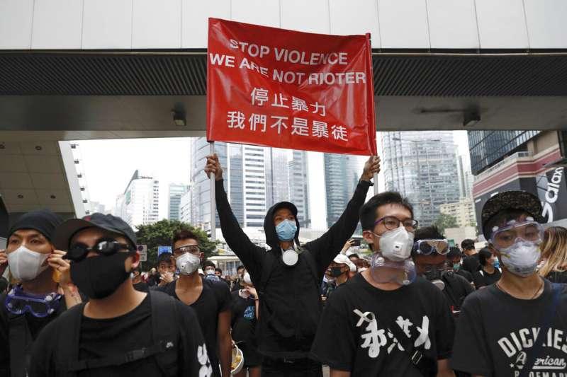 香港的反送中抗爭成功擋下《逃犯條例》修正。(美聯社)