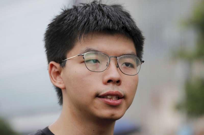 香港的反送中抗爭成功擋下《逃犯條例》修正,學運領袖黃之鋒也恰好在此時出獄。(美聯社)