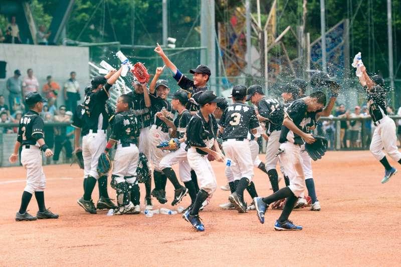 棒球在臺灣的發展已有百餘年歷史,是台灣人最關注的運動賽事之一(圖/華南金控提供)