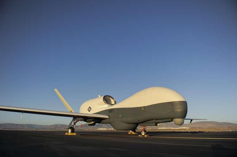 美軍的無人偵察機「全球之鷹」(RQ-4 Global Hawk)。(美國海軍官網)