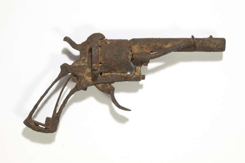 這據信是梵谷用來自殺的那把左輪手槍,18日以16萬2500歐元的價格賣出(美聯社)
