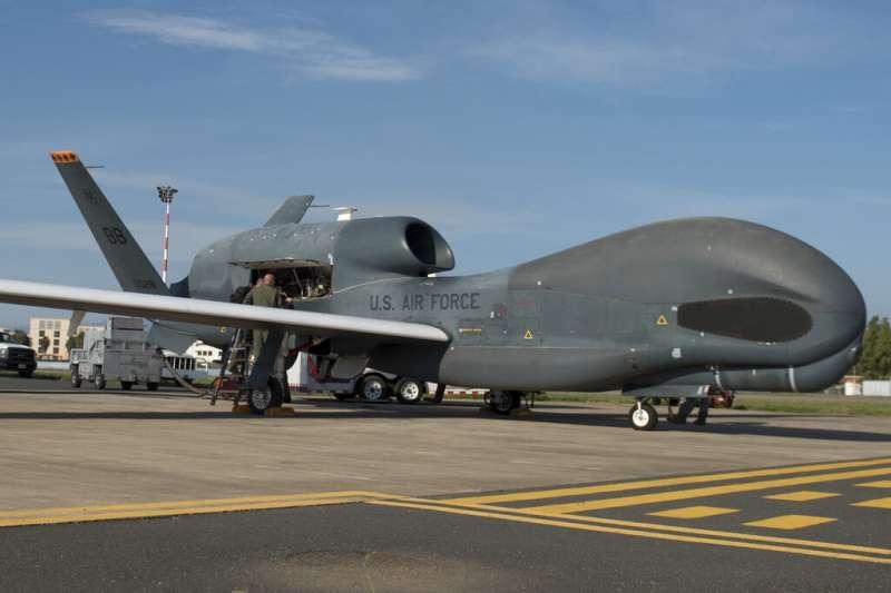 美國「全球之鷹」(RQ-4, Global Hawk)無人偵查機。(AP)