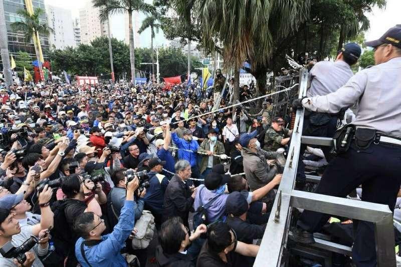 20190621-針對近來大型遊行不斷,台北市警察局21日表示,台北市是全國行政中心,重要官署多集中於此,「集會遊行全國之冠」,在警方辛勞之餘,呼籲民眾守法。(台北市警察局提供)
