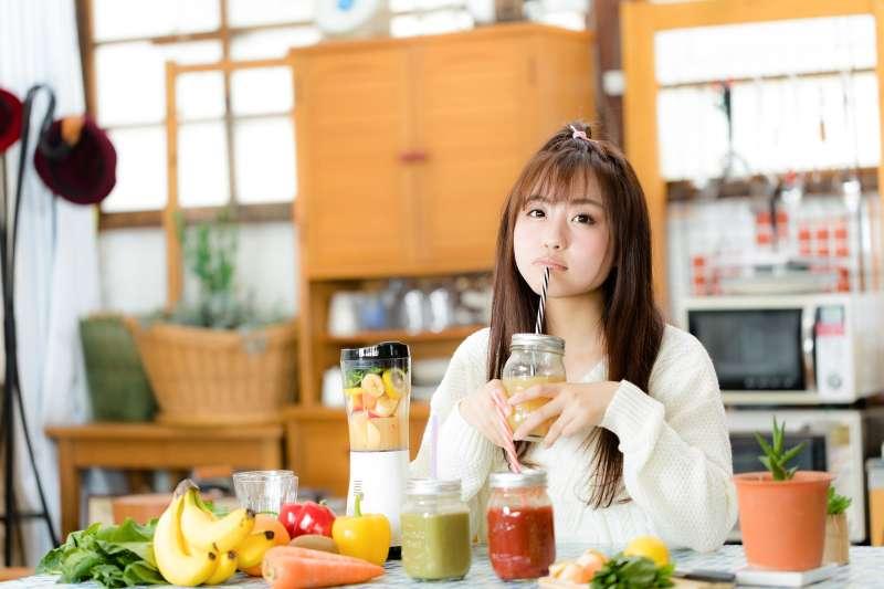 想預防心血管疾病,一定要吃蔬果。(圖/pakutaso)