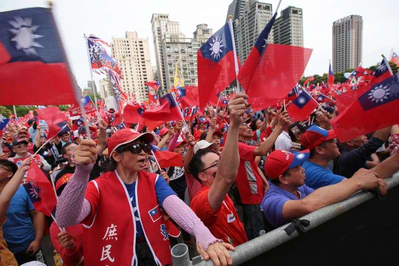 20190622-韓粉22日於台中舉行「決戰2020,贏回台灣」韓國瑜造勢活動。(顏麟宇攝)