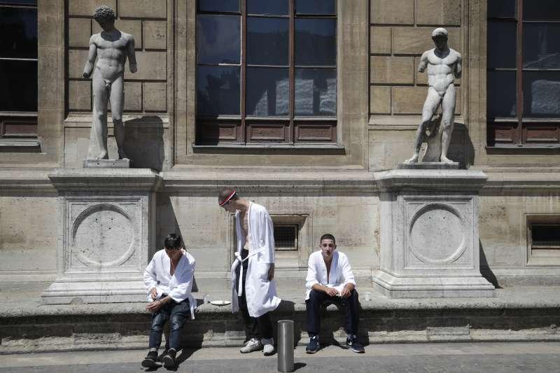 熱浪來襲,巴黎警戒(AP)