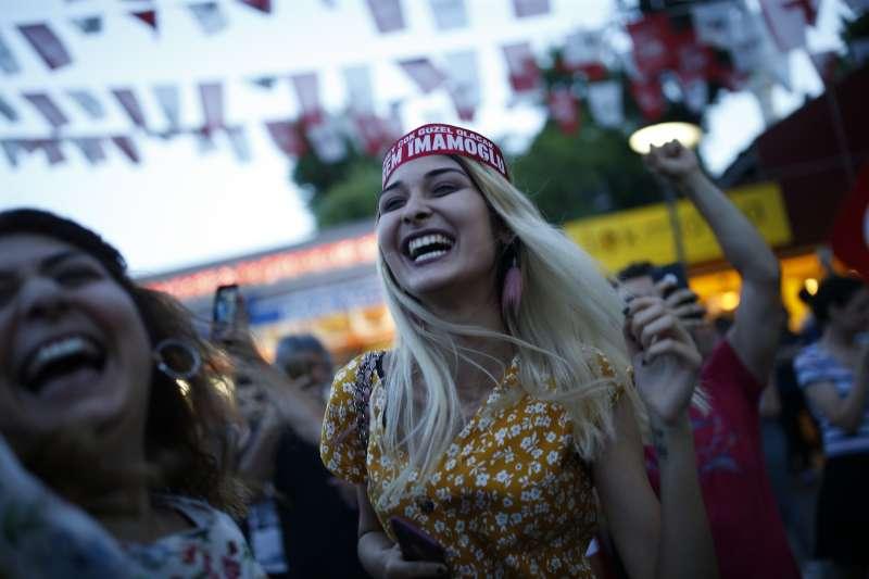 2019年6月23日,土耳其大城伊斯坦堡重選市長,反對黨「共和人民黨」勝出(AP)