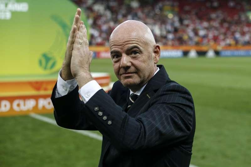 國際足球總會(FIFA)主席英凡蒂諾(Gianni Infantino)希望伊朗足協開放女性進場看球。(美聯社)