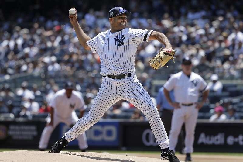 李維拉在「老球星日」除了敲出場內全壘打外,也重回投手丘擔任終結者。 (美聯社)