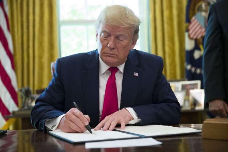 2019年6月24日,美國總統川普對伊朗追加經濟制裁(AP)