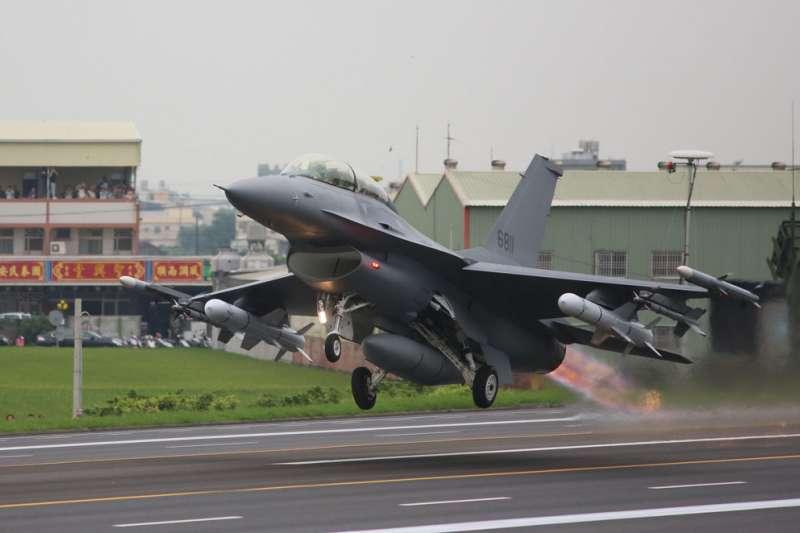 國防部21日表示,有關於F-16V戰機80億美元對台軍售案,已正式獲得美方通知,同意供售。(資料照,柯承惠攝)