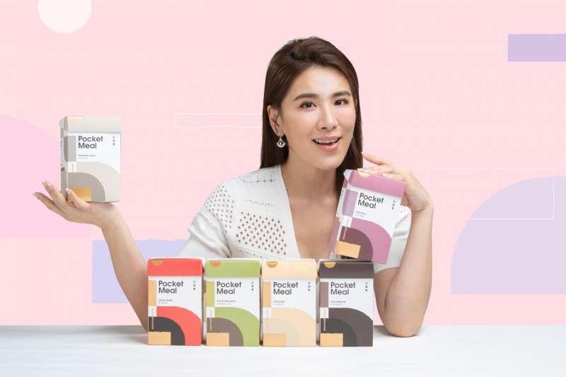 身為職業婦女的小禎來說,時間跟健康都很寶貴,「Pocket Meal口袋餐」採單份包裝攜帶沖泡都很方便,因對於熱愛運動的小禎來說,「Pocket Meal」補足了運動需要少量多餐的健康需求,更能省下時間陪伴女兒。(圖/台灣綠金)