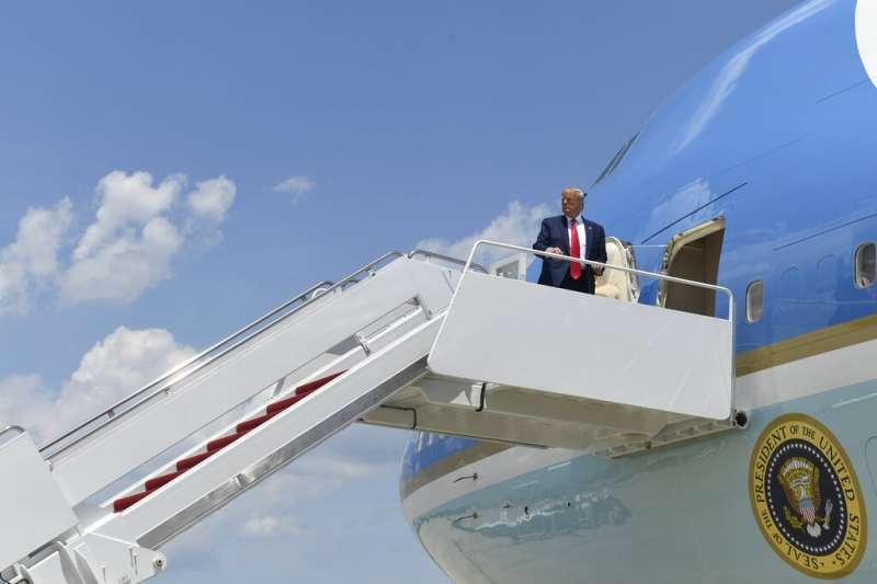 20190626,川普26日啟程前往日本參加G20大阪峰會。(AP)