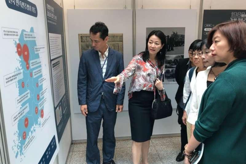民進黨立委林靜儀(右一)與促進轉型正義委員會代理主委楊翠等人,於本周赴韓國交流推動轉型正義經驗。(林靜儀辦公室提供)