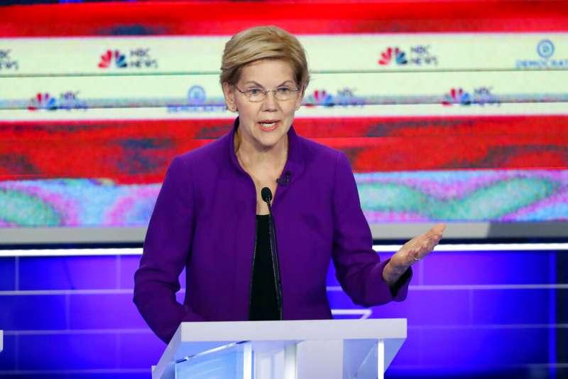 2020年美國總統大選民主黨初選首場辯論於26日、27日晚間9時熱鬧登場,圖為麻州聯邦參議員華倫。(AP)