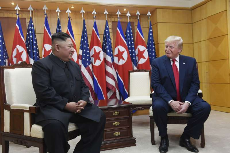 2019年6月30日,美國總統川普與北韓領導人金正恩在兩韓交界「非軍事區」(DMZ)板門店舉行會談(AP)