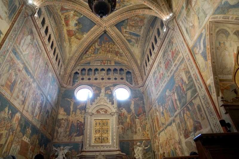 奧爾維耶托聖殿中藏九折布小堂(曾廣儀攝)