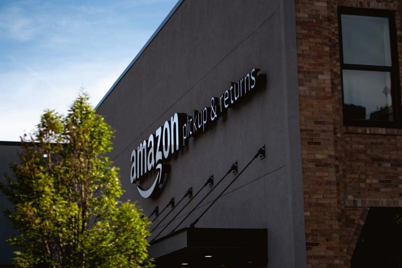 全球最大線上零售商之一亞馬遜,由傑夫貝佐斯創辦(圖/Unsplash)